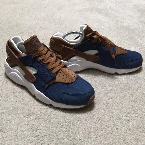 ed7ddb8f3c1f Nike air huarache 9.5 denim tan. New without tags.  M 5ac1663031a37656889fbeb2